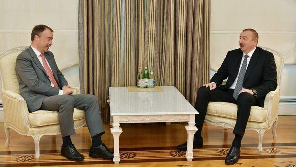 Президент Ильхам Алиев принял делегацию во главе со спецпредставителем ЕС - Sputnik Азербайджан