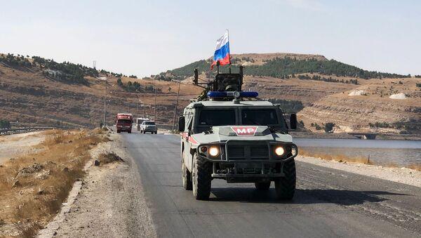 Военная полиция РФ на северо-востоке провинции Алеппо в Сирии - Sputnik Азербайджан