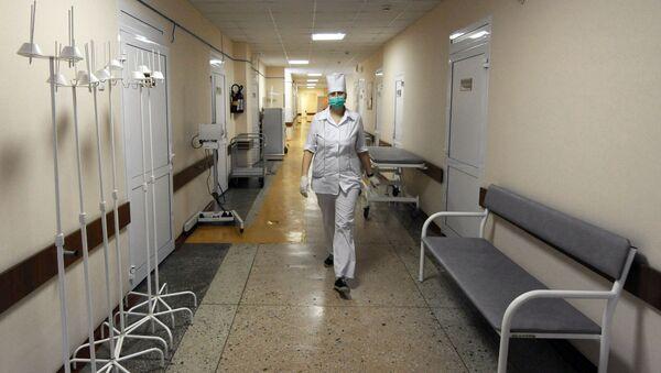 Медицинская сестра в больнице, фото из архива - Sputnik Азербайджан
