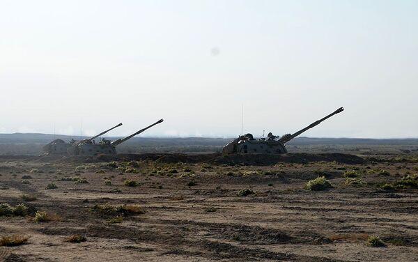 Ракетные и артиллерийские подразделения провели боевые стрельбы - Sputnik Азербайджан