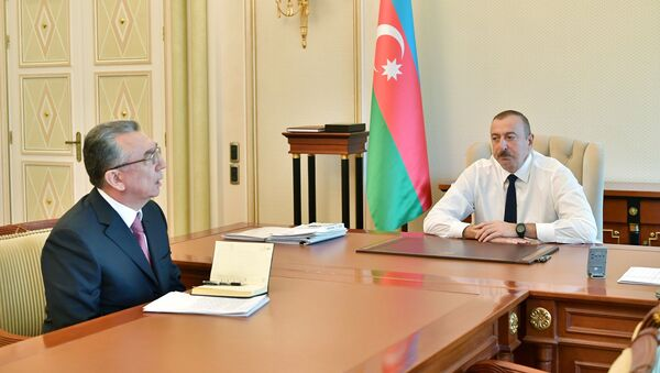 Президент Азербайджана Ильхам Алиев принял главу Исполнительной власти города Баку Эльдара Азизова - Sputnik Азербайджан