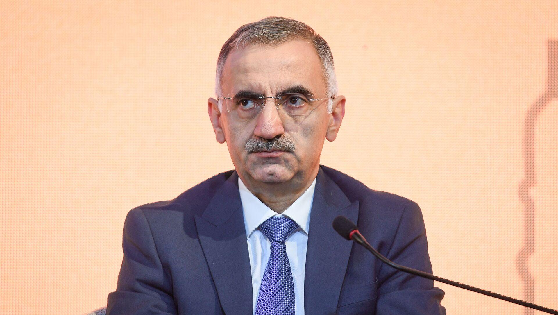 Заместитель министра транспорта, связи и высоких технологий Эльмир Велизаде - Sputnik Azərbaycan, 1920, 11.09.2021