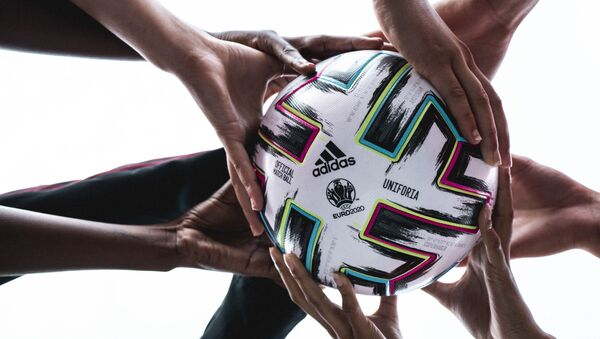 Официальный мяч ЕВРО-2020 - Sputnik Азербайджан