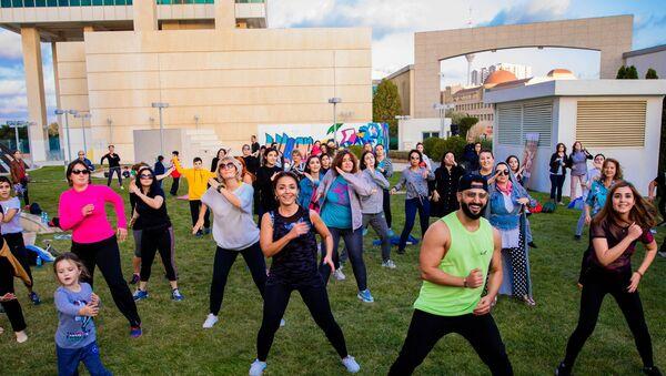 Отель Pullman Baku совместно с Urban.Az организовал Фестиваль здоровья, на который пришли более 500 человек - Sputnik Азербайджан