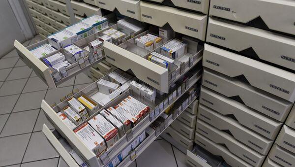 Коробки с лекарствами, фото из архива - Sputnik Азербайджан