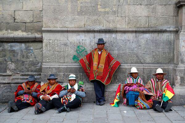 Сторонники президента Боливии Эво Моралеса в городе Ла-Пас, Боливия - Sputnik Азербайджан