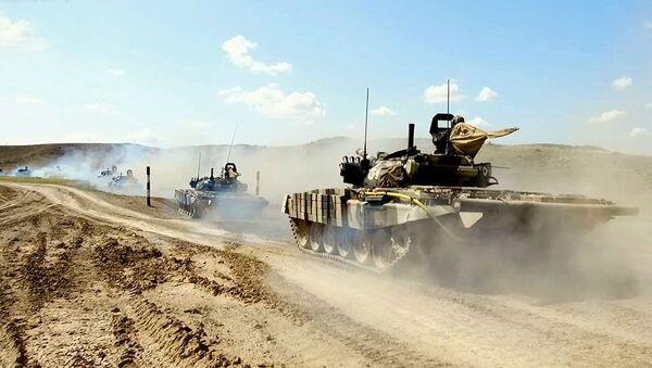 Azərbaycan Ordusu miqyasında əməliyyat təlimi - Sputnik Азербайджан