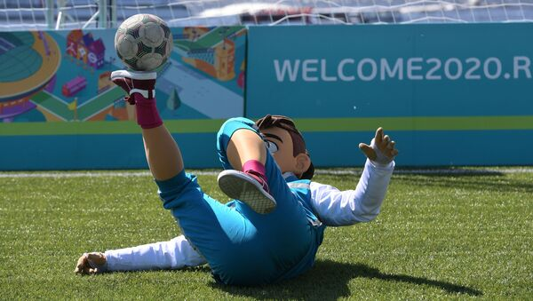 Талисман ЕВРО-2020 Скиллзи - Sputnik Azərbaycan