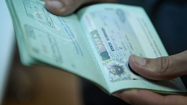 Виза в паспорте гражданина Азербайджана, фото из архива - Sputnik Азербайджан