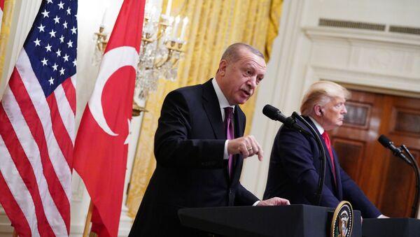 ABŞ Prezidenti Donald Tramp və Türkiyə Prezidenti Rəcəb Tayyib Ərdoğan - Sputnik Азербайджан