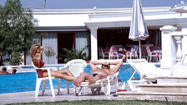 Туристы на отдыхе, фото из архива - Sputnik Azərbaycan