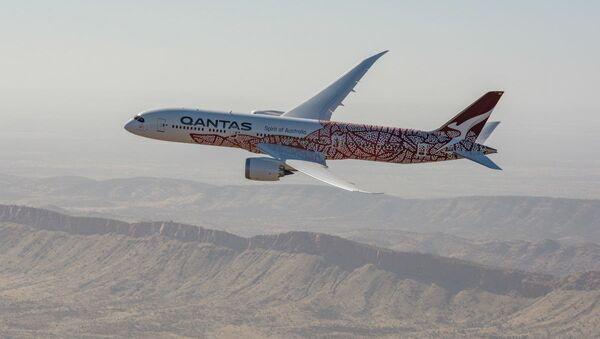 Самолет австралийской компании Qantas - Sputnik Азербайджан
