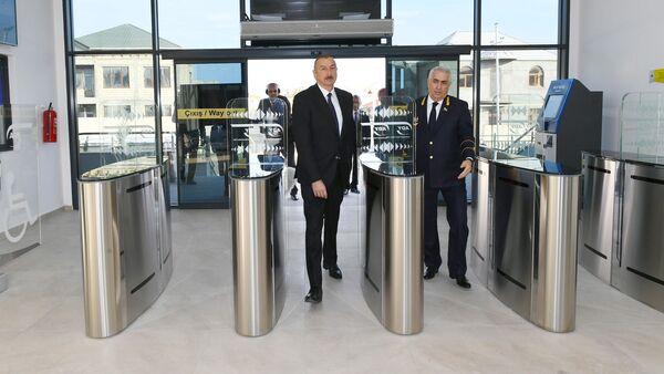 Президент Ильхам Алиев на открытии железнодорожной станции Пиршаги - Sputnik Азербайджан