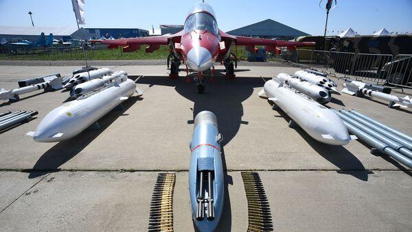 Учебно-боевой самолет Як-130, фото из архива - Sputnik Азербайджан