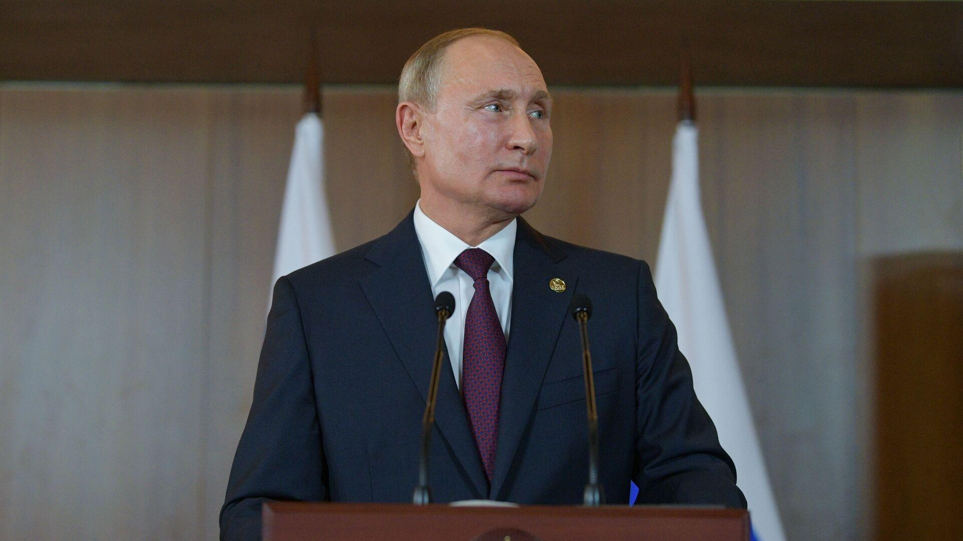 Rusiya Prezidenti Vladimir Putin, arxiv şəkli - Sputnik Azərbaycan, 1920, 07.10.2021