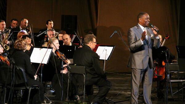 Один из сильнейших джазовых вокалистов современности Джейми Дэвис приезжает в Баку с большим концертом - Sputnik Азербайджан