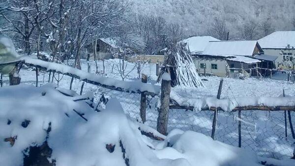 В северных районах высота снежного покрова в северном регионе достигла 22 см - Sputnik Азербайджан