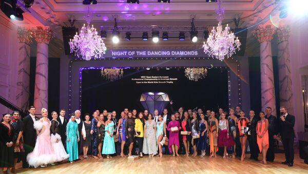 В Баку прошло уникальное танцевальное шоу Night of the Dancing Diamonds - Sputnik Азербайджан