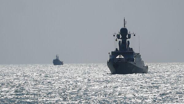Малые ракетные корабли на учениях корабельных ударных групп Каспийской флотилии ВМФ РФ - Sputnik Азербайджан