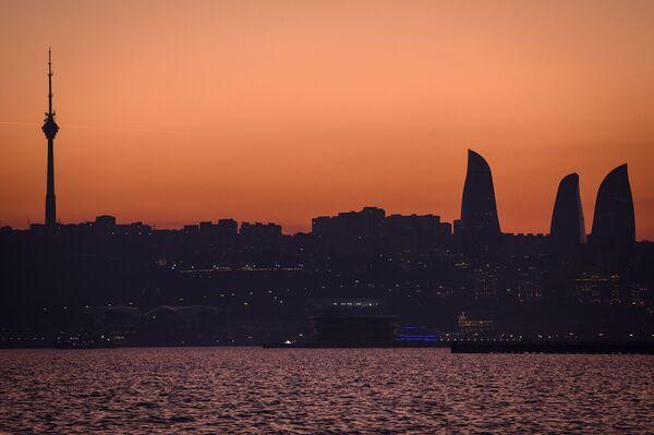 Второй саммит прошел в Тегеране в 2007 году, третий – в Баку в 2010 году, четвёртый – в Астрахани в 2014 году, пятый – в Актау в 2018 году. - Sputnik Азербайджан
