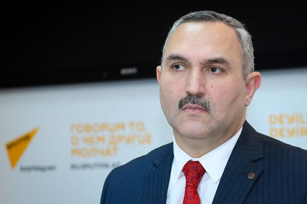 Член Совета прессы Руководитель Общественного объединения гуманитарной поддержки Хаят Азер Аллахверанов - Sputnik Азербайджан