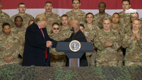 Дональд Трамп заявил, что Талибан* стремится заключить мирное соглашение - Sputnik Азербайджан