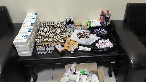 2324 различных лекарств - Sputnik Азербайджан