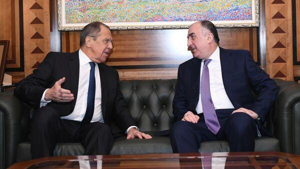 Главы МИД Азербайджана и России Эльмар Мамедъяров и Сергей Лавров провели встречу в Баку - Sputnik Азербайджан