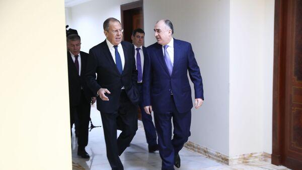 Министр иностранных дел РФ Сергей Лавров и министр иностранных дел Азербайджана Эльмар Мамедъяров во время встречи - Sputnik Азербайджан