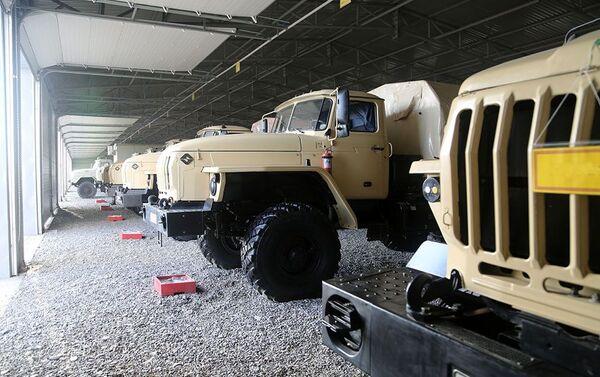 Военная техника подразделений Ракетных и артиллерийских войск в прифронтовой зоне - Sputnik Азербайджан