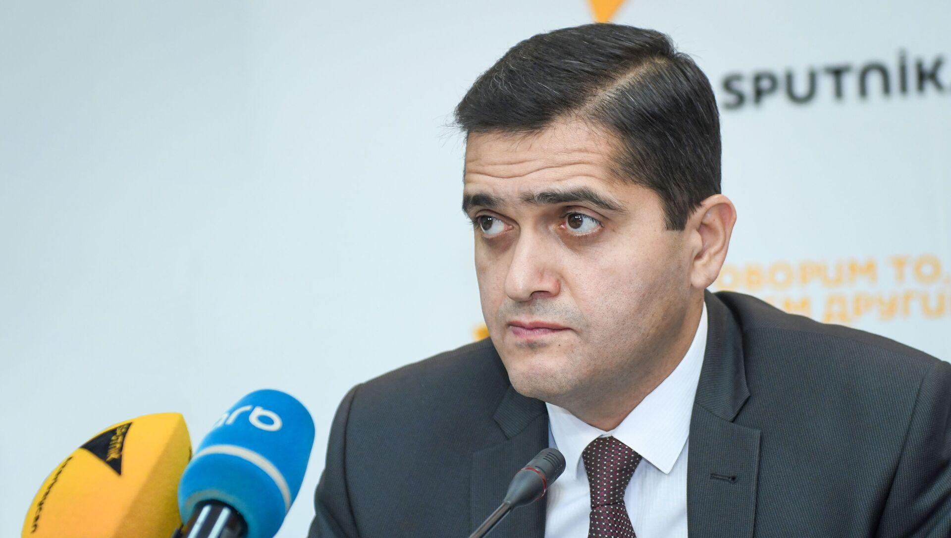 Руководитель аналитического агентства Атлас Эльхан Шахиноглу - Sputnik Азербайджан, 1920, 06.08.2021