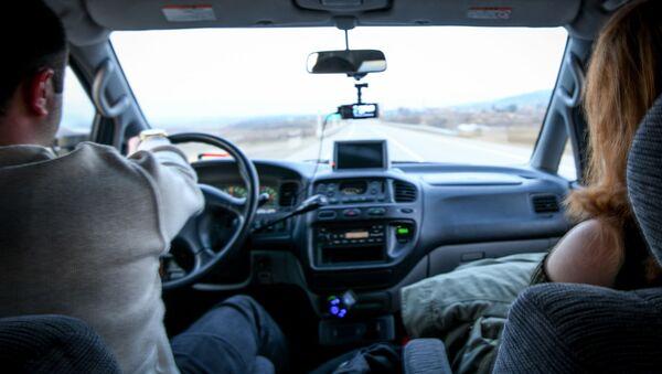 Водитель за рулем - Sputnik Азербайджан