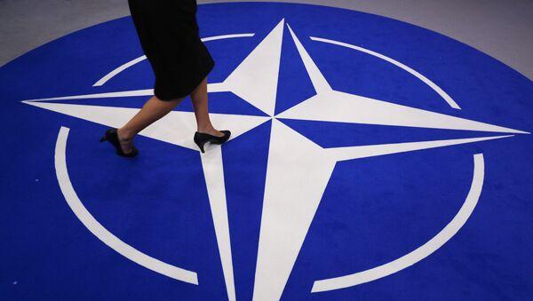 Символ НАТО - Sputnik Азербайджан