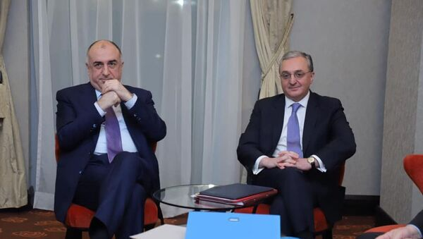 Встреча глав МИД Азербайджана и Армении Эльмара Мамедъярова и Зограба Мнацаканяна - Sputnik Азербайджан