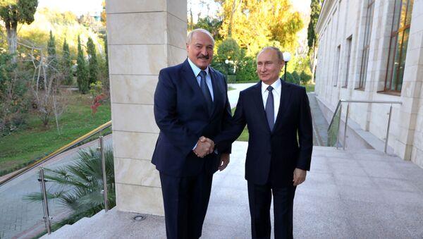 Президент РФ В. Путин провел переговоры с президентом Белоруссии А. Лукашенко в Сочи - Sputnik Azərbaycan