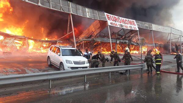 Eurohome tikinti bazarında yanğın - Sputnik Азербайджан