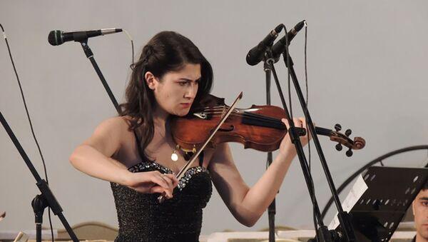 Азербайджанская музыкантка Джамиля Гараюсифли - Sputnik Азербайджан