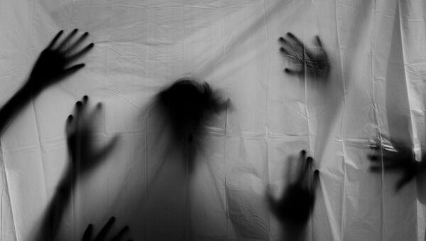 Силует рук, фото из архива - Sputnik Азербайджан
