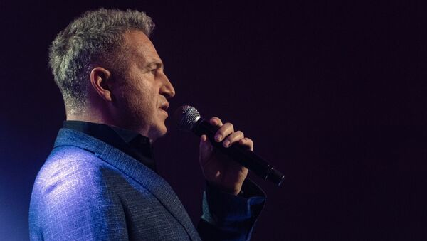 Певец Леонид Агутин выступает на концерте - Sputnik Азербайджан