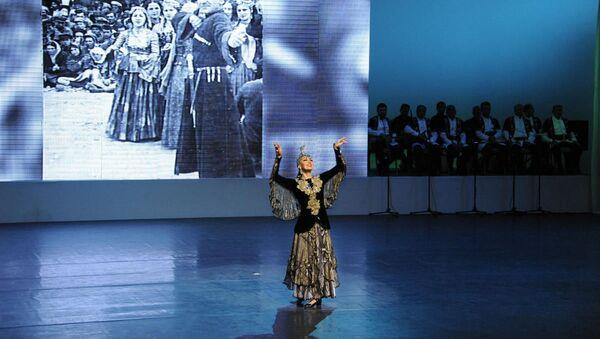 Концерт во Дворце Гейдара Алиева посвяшенная народной артистки Азербайджана Амины Дильбази - Sputnik Азербайджан