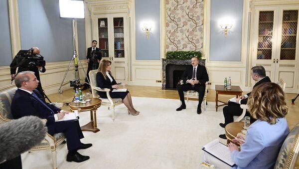 Президент Ильхам Алиев дал интервью местным журналистам по итогам года - Sputnik Азербайджан
