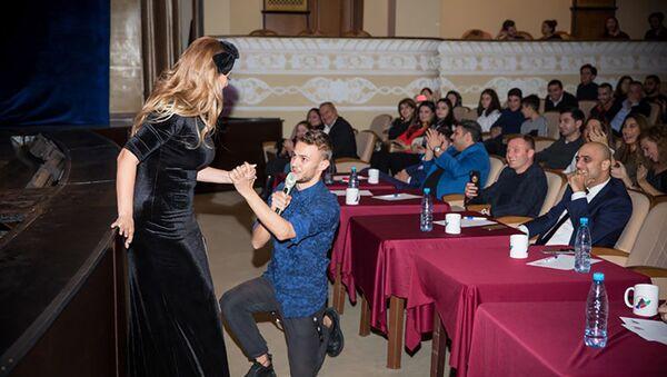 В Баку начался второй сезон Азербайджанской телевизионной Лиги КВН - Sputnik Азербайджан