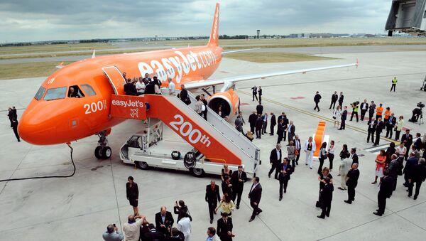 Пассажиры авиакомпании EasyJet - Sputnik Азербайджан