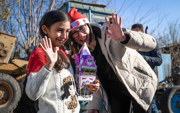 Новогодняя благотворительная акция Sputnik Азербайджан - Sputnik Азербайджан