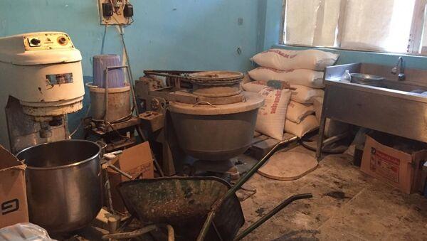 Цех, незаконно занимавшийся производством кондитерских изделий в кустарных условиях в Мингячевире - Sputnik Азербайджан