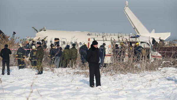 Крушение пассажирского самолета в Казахстане - Sputnik Азербайджан