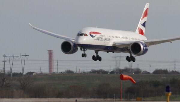 Пассажирский самолет Boeing B787 Dreamliner авиакомпании British Airways, фото из архива - Sputnik Азербайджан