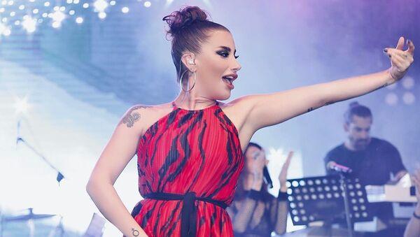 Известная турецкая певица Ирем Дериджи - Sputnik Азербайджан