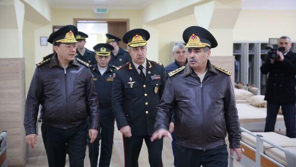 Закир Гасанов на открытии нового четырехэтажного курсантского общежития в АВВУ имени Гейдара Алиева - Sputnik Азербайджан