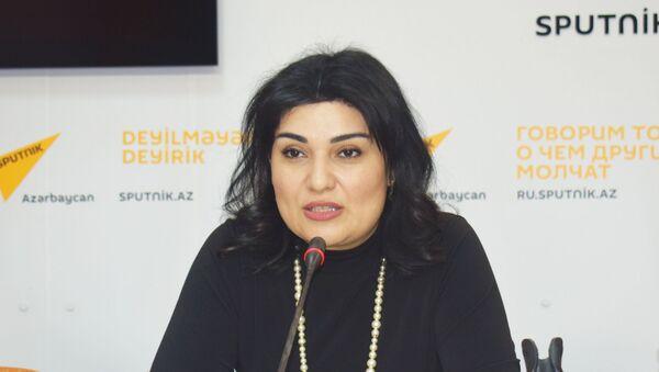 Заместитель председателя общественного совета при Государственной миграционной службе АР Кямаля Мамедова - Sputnik Азербайджан